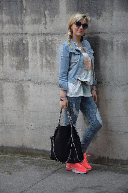 giubbino jeans ricamato come abbinare il gubbino jeans ricamato giubbino jeans outfit outfit maggio outfit sporty