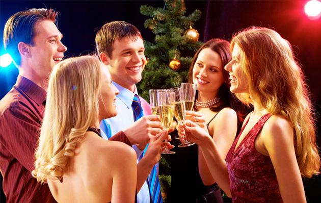 Berkumpul bersama teman dan keluarga