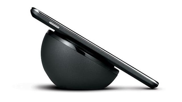iPhone 8 ايفون ٨ شحن لاسلكى wireless charging