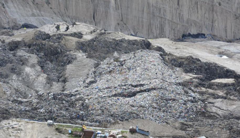 El 15 de enero se produjo un deslizamiento que arrastró lixiviados y residuos en Alpacoma / WEB