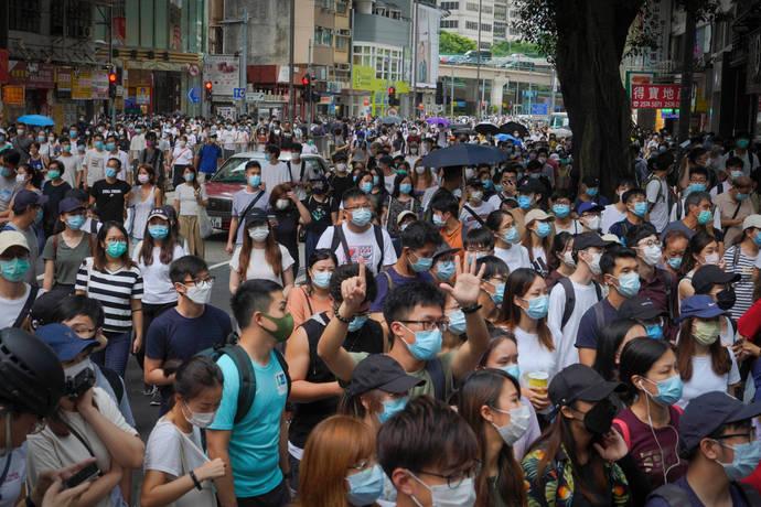 CHINA Blocks Hong Kong residents from getting British Citizenship cover image