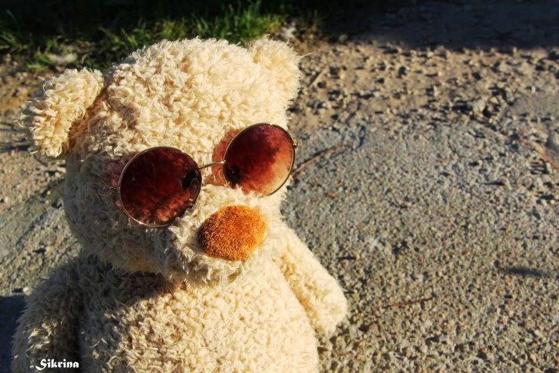 Boneka beruang pakai kacamata coll banget