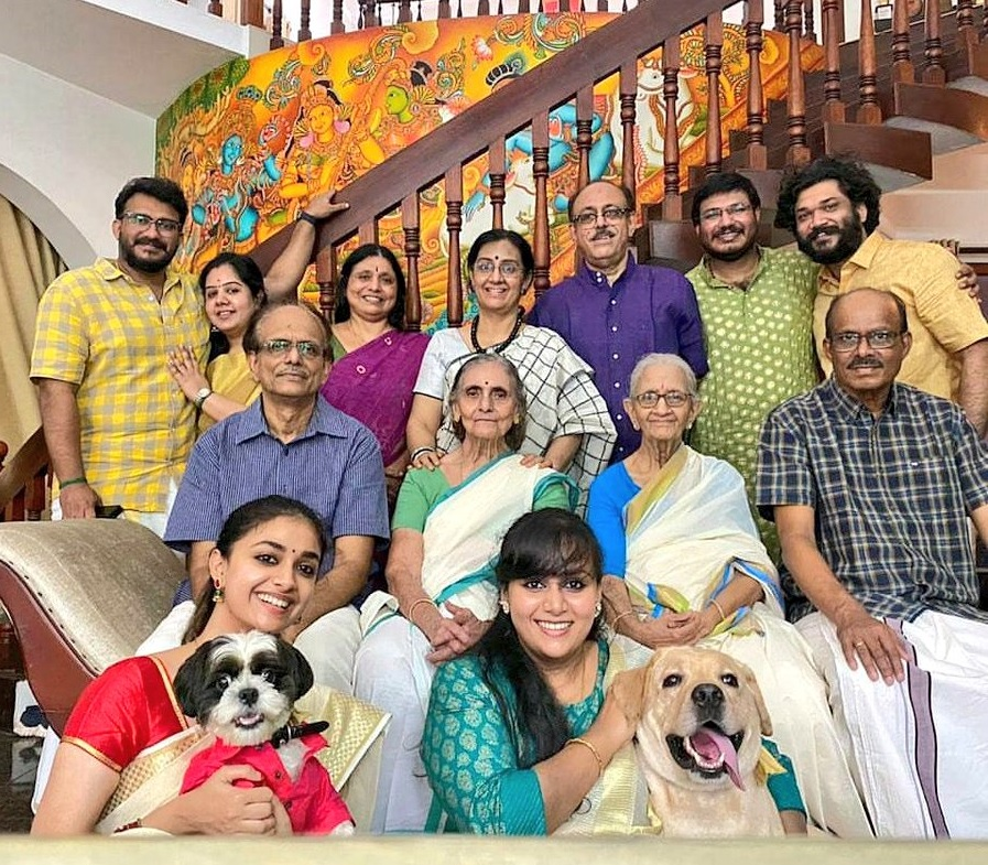 Keerthy Suresh in Saree with Lovely Smile with Lovely Family