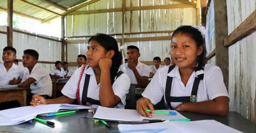 Funcionarios de Ecuador destacan propuesta peruana de secundaria tutorial para zonas rurales