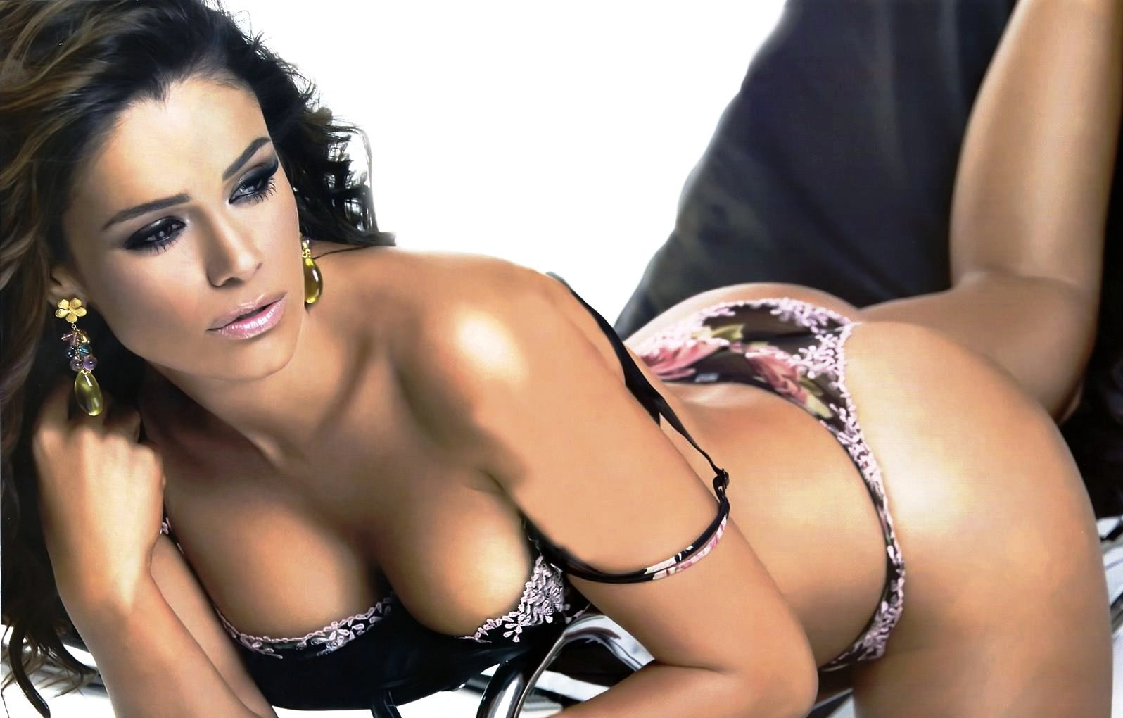 sex-among-mexican-actresses