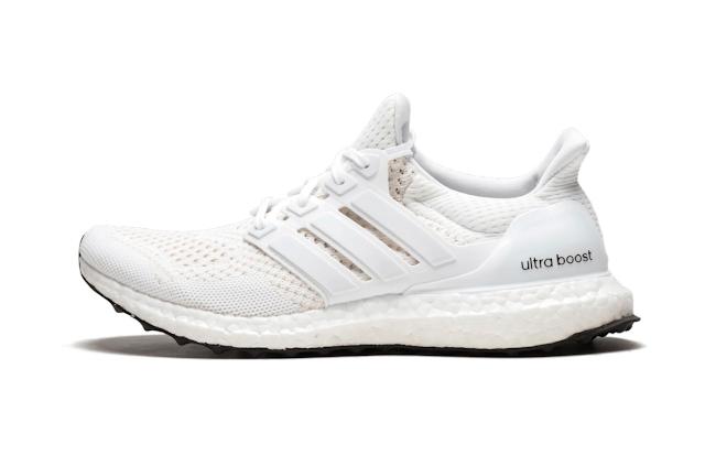 """Adidas tái phát hành UltraBOOST 1.0 """"Triple White"""""""