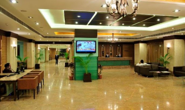 TOP 10 luxurious tourist hotels in Ahmedabad
