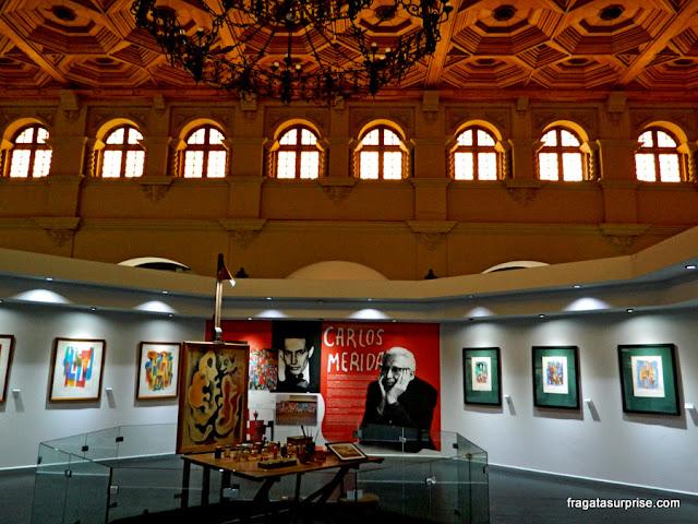 ateliê do pintor Carlos Mérida reconstruído no Museu Nacional de Belas Artes da Guatemala