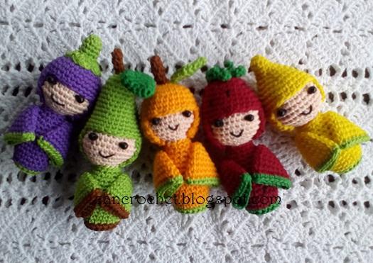Amigurumi Kokeshi Doll Pattern : Kokeshi dolls in fruit costumes ~ zan crochet