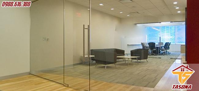 Cửa kính cường lực đẩy quay cho phòng hội họp