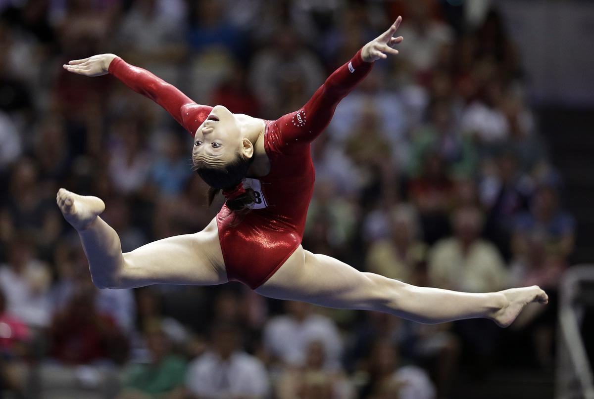 30 Inspiring Action Photos Of The U S Women S Gymnastic