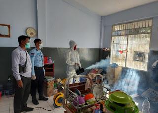 Gandeng Komunitas MM/IMM Jatim, Lapas Surabaya Lakukan Fogging Disinfektan di Blok Hunian