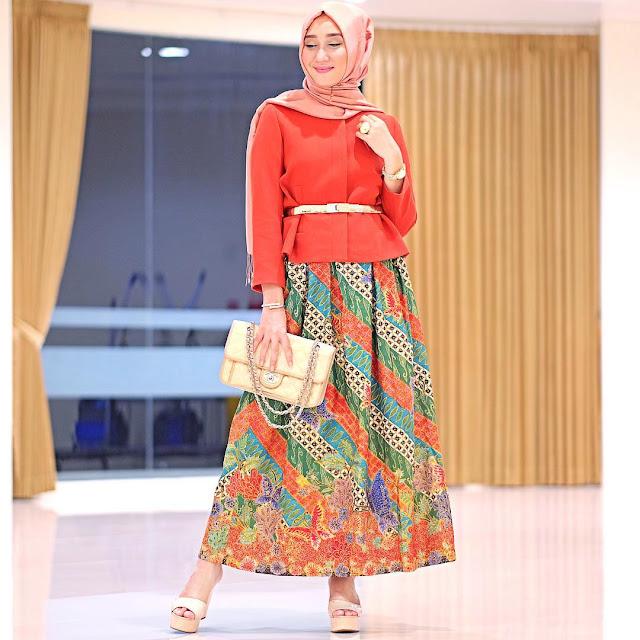Inspirasi Model Baju Batik Dari Dian Pelangi Berita Event Jawa Timur