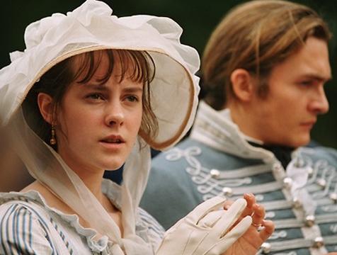 Lydia Bennet (Jena Malone) y George Wickham (Rupert Friend) en Orgullo y prejuicio - Cine de Escritor