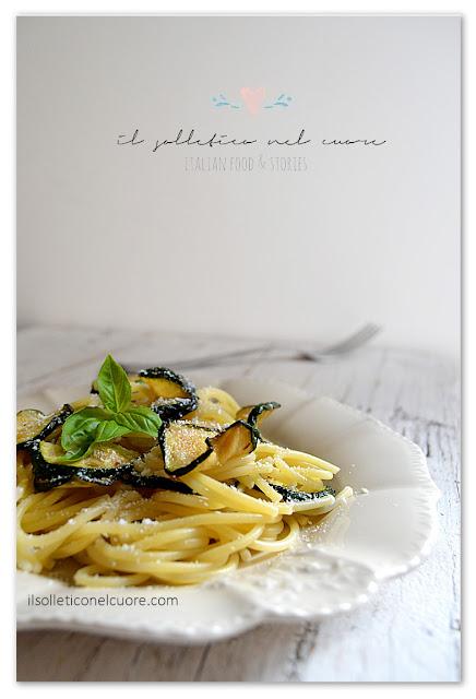 pasta-con-le-zucchine-fritte-e-ricotta-salata