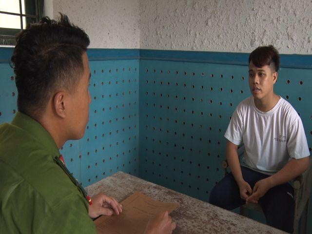 Quảng Ngãi: Nhân viên y tế bỏ việc lập đường dây làm giấy tờ giả
