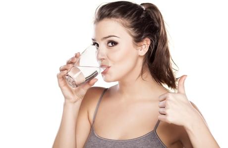 20 Manfaat Minum Air Hangat Bagi Kesehatan