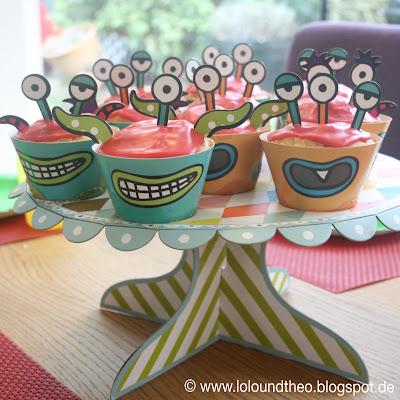 Muffins auf Etagere für Monstergeburtstag