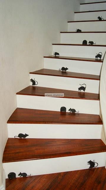 Halloween mice stair decoration