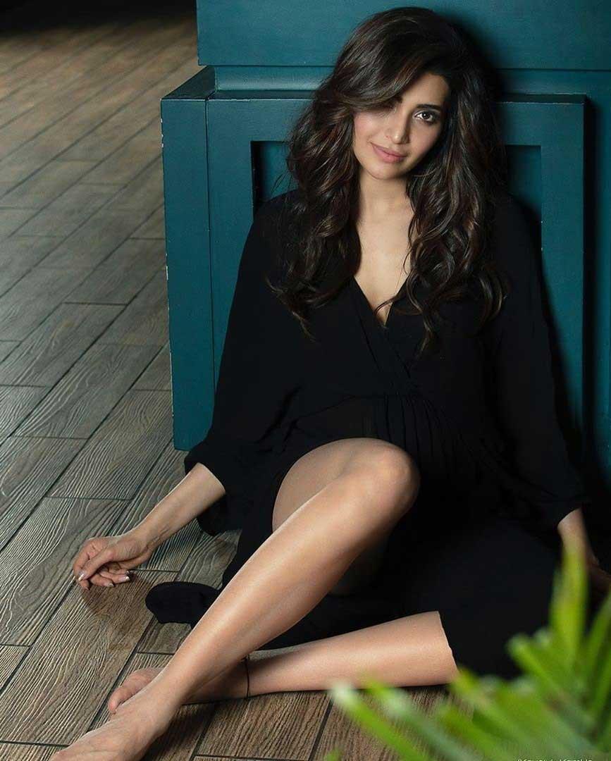 Hot and Sexy Karishma Tanna