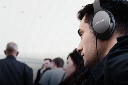 Headphone Terbaik yang Cocok Untuk Para Traveller