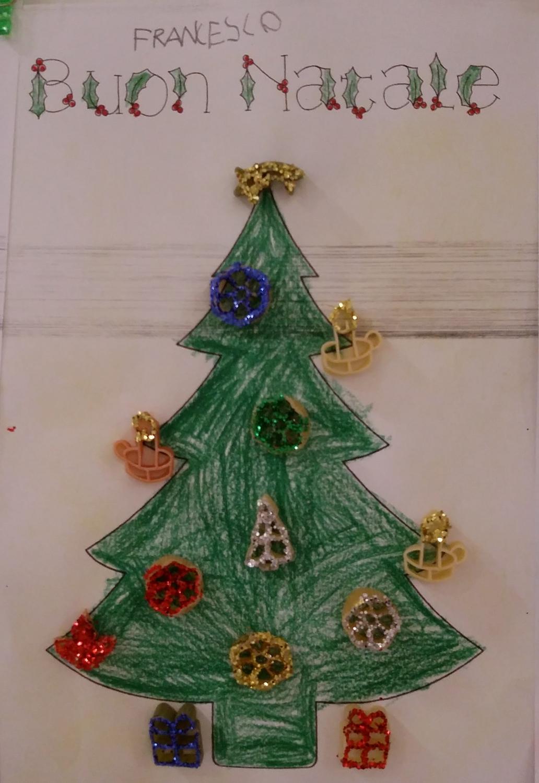 La maestra linda albero di natale decorato con pasta for Maestra gemma recite di natale