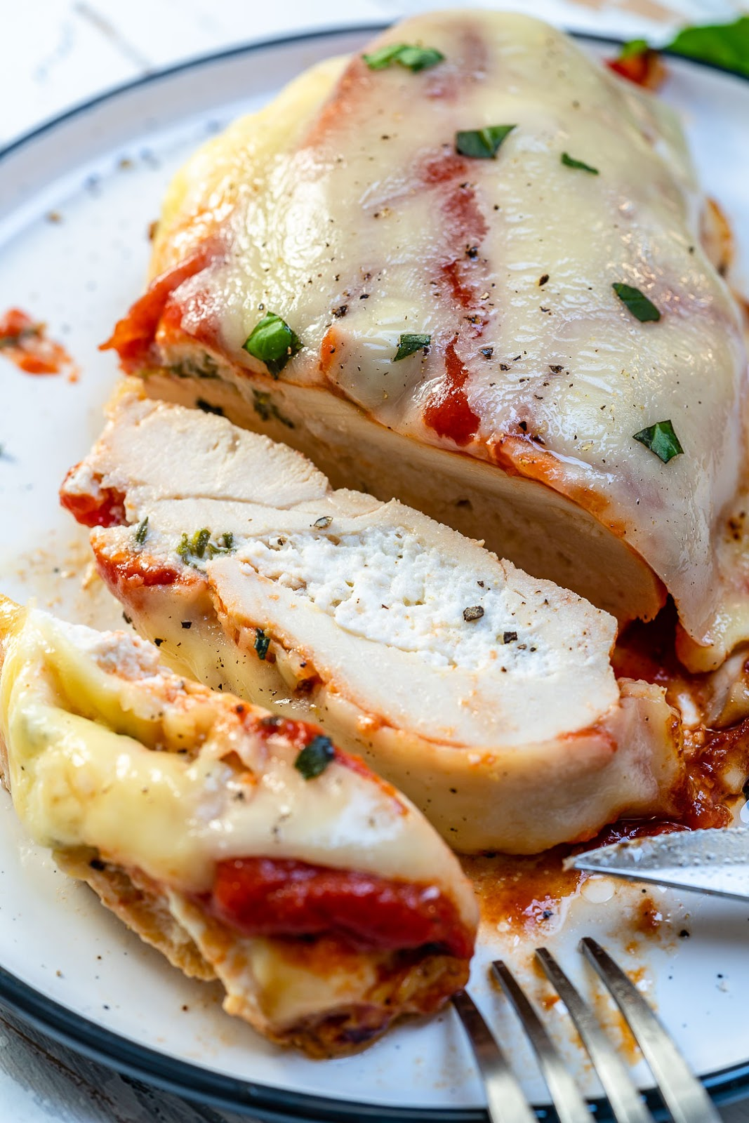 Carb Free Lasagna Stuffed Chicken Breasts for Clean Eating #dinner #familyrecipes #eating #lasagna #lowcarb