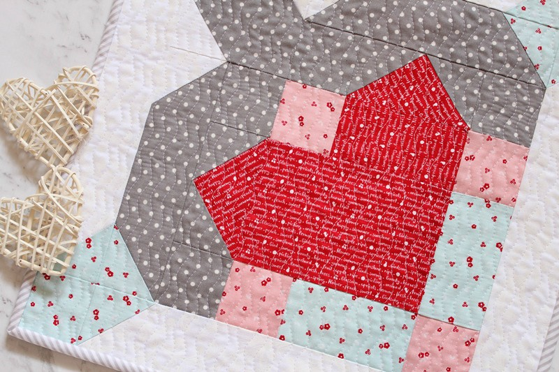 Free Pattern Crusader S Heart Free Valentines Day Mini Quilt