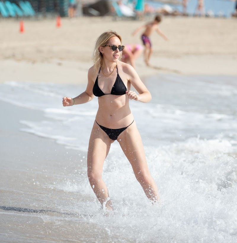Tanya Burr In bikini on the beach in Miami Mar -2020