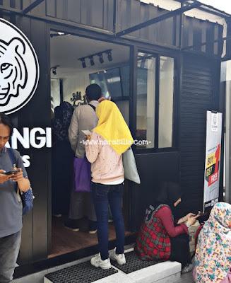 Istimewanya Siliwangi Bolu Kukus, Oleh-Oleh Yang Ada di Stasiun Bogor