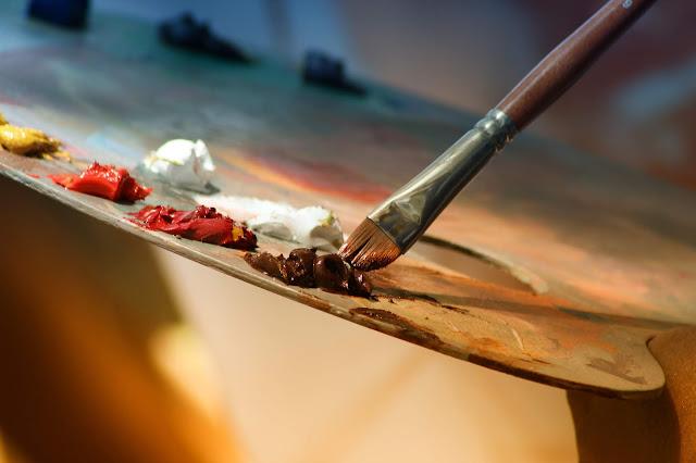 Pincel y pinturas