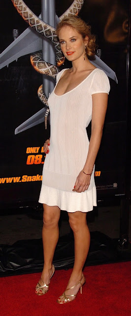 Rachel Blanchard Sexy Pictures in White Dress Shows Off Her Sexy Legs Navel Queens