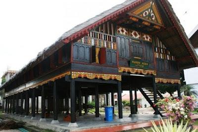 Gambar rumah adat aceh (Korong Bade)