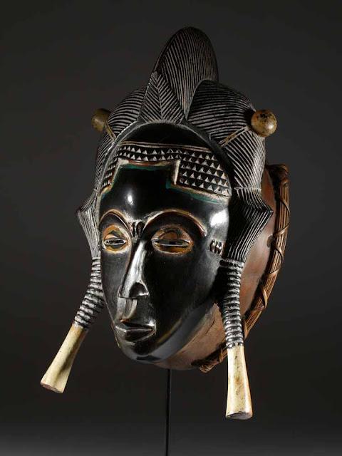 Le masque africain, un culte rituel : Art, culture, tradition, masque, culte, rituel, ethnie, danse, ancêtre, chant, festival, événement, spectacle, rythme, LEUKSENEGAL, Dakar, Sénégal, Afrique