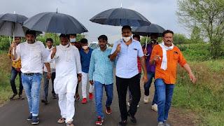 घंटी बजाओ सरकार जगाओ के तहत बाढ़ प्रभावितों को मुआवजा के लिए निकाली पद यात्रा