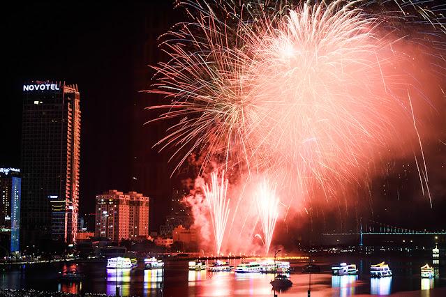 Khoi Studio: Kinh nghiệm chụp ảnh pháo hoa năm mới