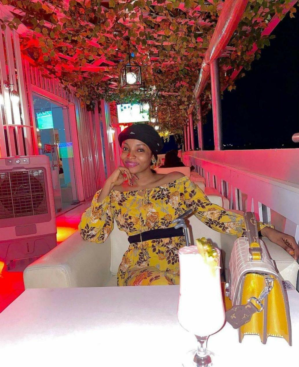 Maryam Waziri a Sabon wanka