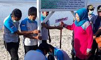Dukung Gerakan Menghadap Laut, DKP Kabupaten Bima Bersih-Bersih Pantai Kalaki