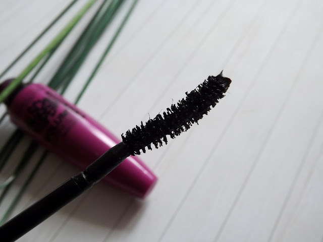 Volum' Express Falsche Wimpern Black Drama Mascara von Maybelline