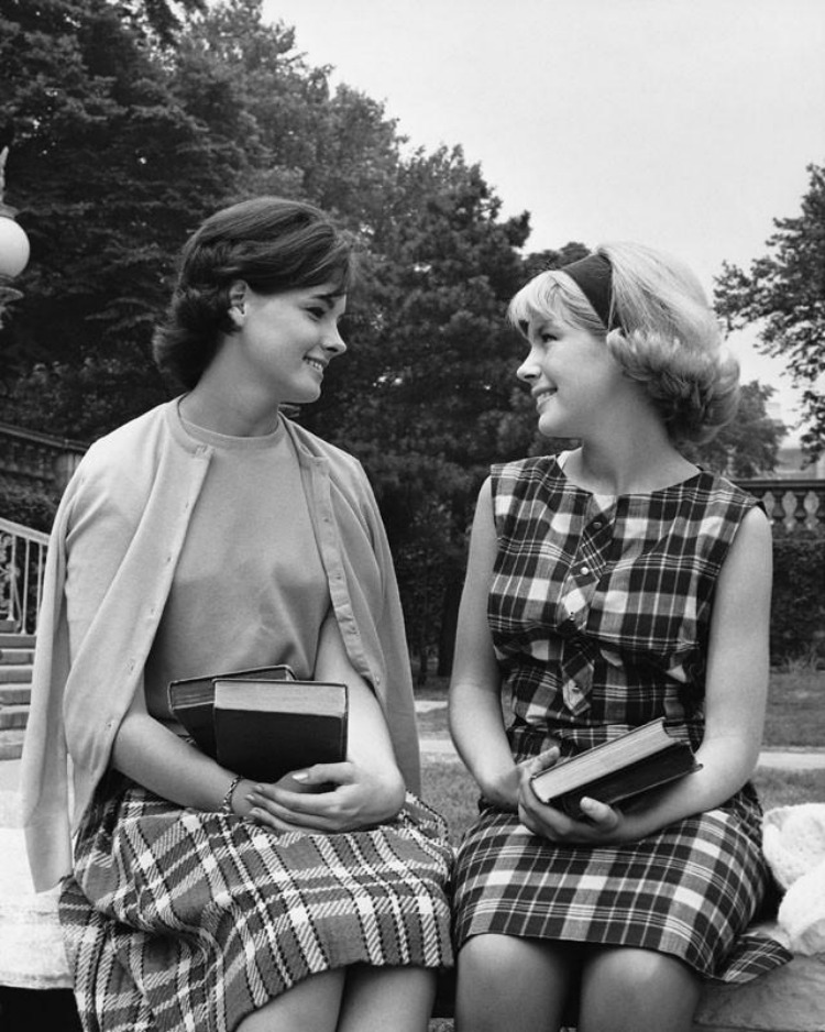 1960s college girl fashion