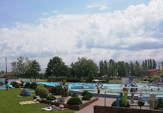 Геотармальные минерализованные бассейны, с водой до +38-40 º в Thermalpark, Дунайская Стреда