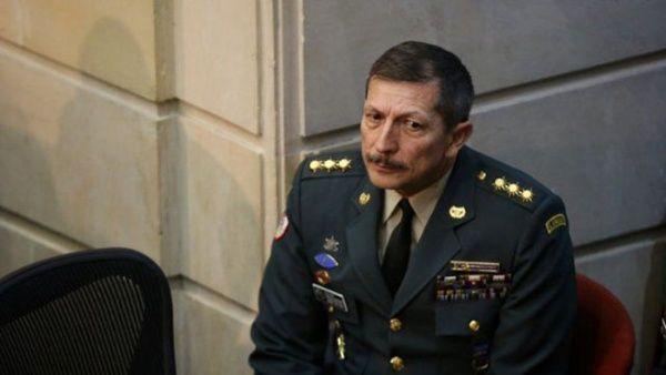 Investigan a exgeneral por espionaje ilegal en Colombia