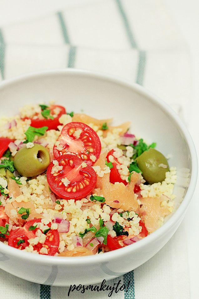 salatka-z-kasza-jaglana-wedzonym-lososiem