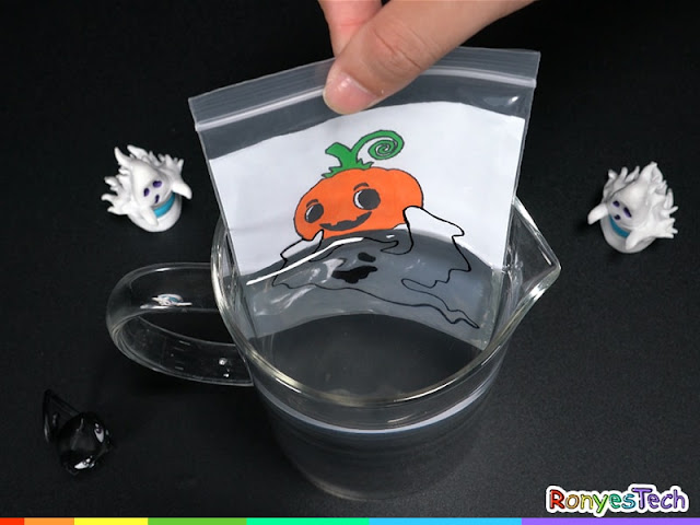 Zip Lock Bag Water Refraction - Halloween Activity Step4-2