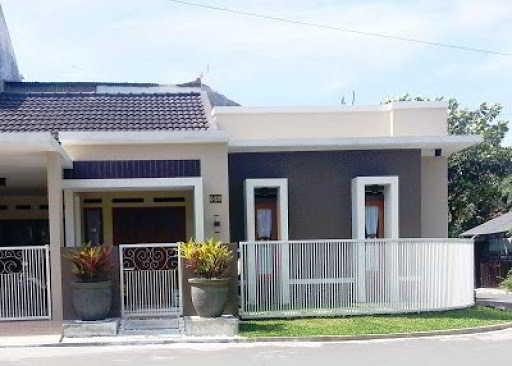 Model Pagar Rumah Sederhana Warna Putih