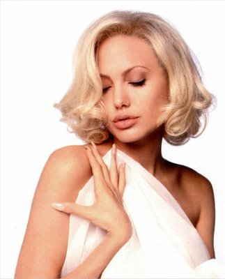 Incredible Angelina Jolie Short Hairstyles Topix Short Hairstyles For Black Women Fulllsitofus