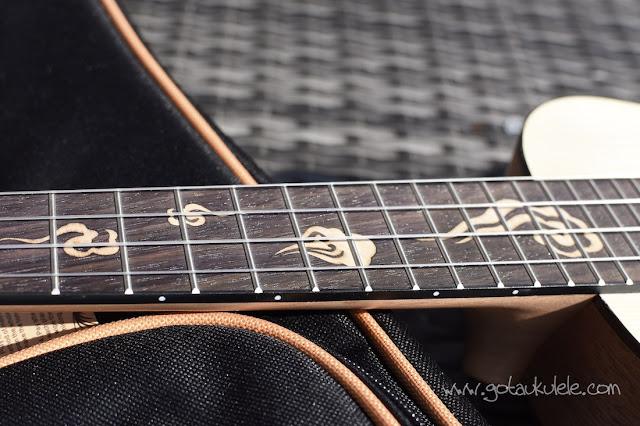 Donner DUC-3 Concert Ukulele fingerboard