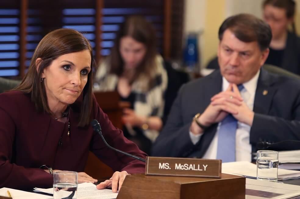 McSally, la Senadora de EE.UU. que fue violada cuando estuvo en la Fuerza Aérea