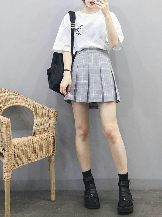Estilo coreano girly com saia plissada