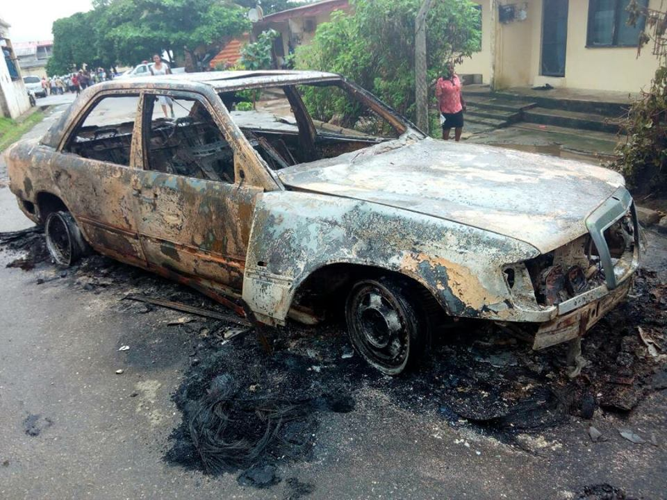Naval Officers Attack Police Station In Calabar